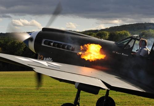 P 40 N Warhawk beim Anlassen